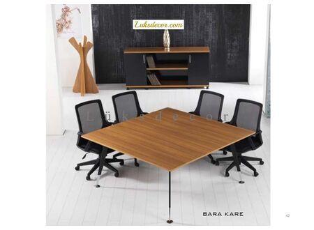 Baron Toplantı Masası